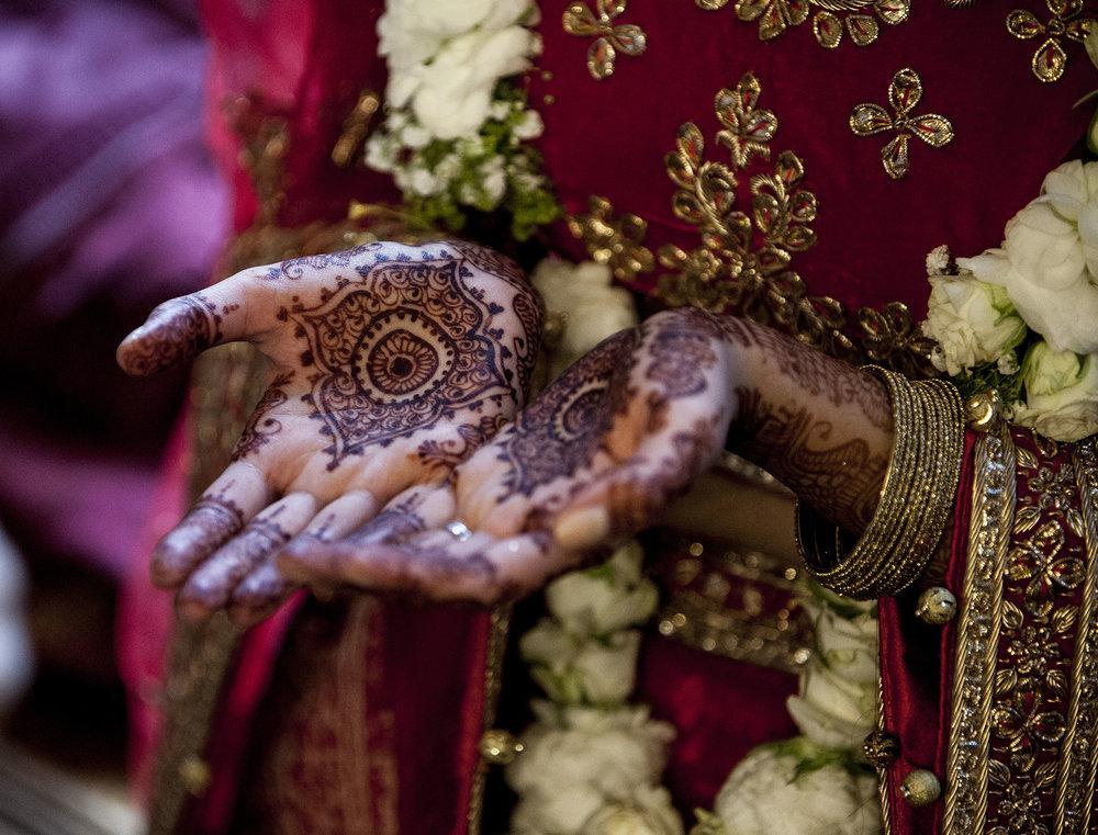 elizabethgphotography_kingslangley_hertfordshire_fineart_indian_wedding_photography_bhavesh_kundalata_bhaktivedanta_manor_watford_jpg64.jpg