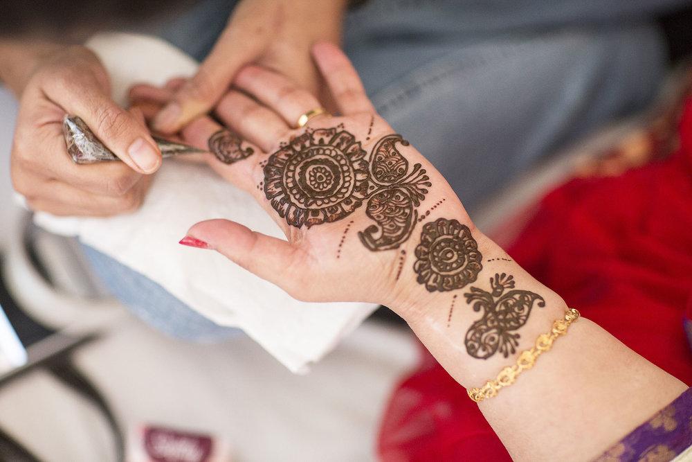 elizabethgphotography_kingslangley_hertfordshire_fineart_indian_wedding_mehndi_photography_jigna_bhuja_05.jpg