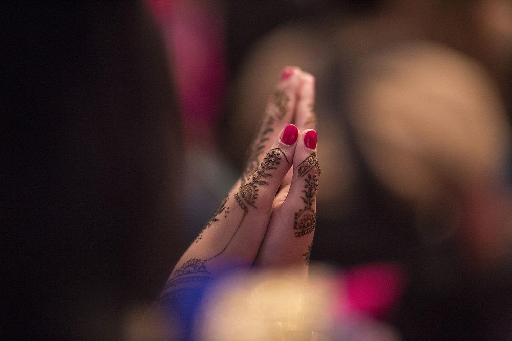 elizabethgphotography_kingslangley_hertfordshire_fineart_indian_wedding_mehndi_photography_jigna_bhuja_15.jpg