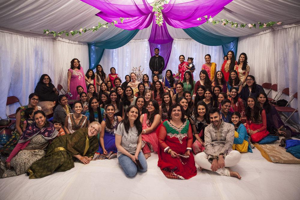 elizabethgphotography_kingslangley_hertfordshire_fineart_indian_wedding_mehndi_photography_jigna_bhuja_16.jpg