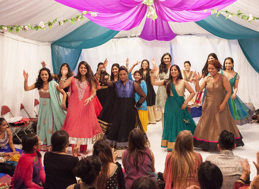 elizabethgphotography_kingslangley_hertfordshire_fineart_indian_wedding_mehndi_photography_jigna_bhuja_18.jpg