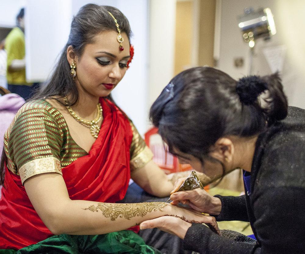 elizabethg_fineart_photography_hertfordshire_indian_wedding_mehndi_kundalata_01.jpg