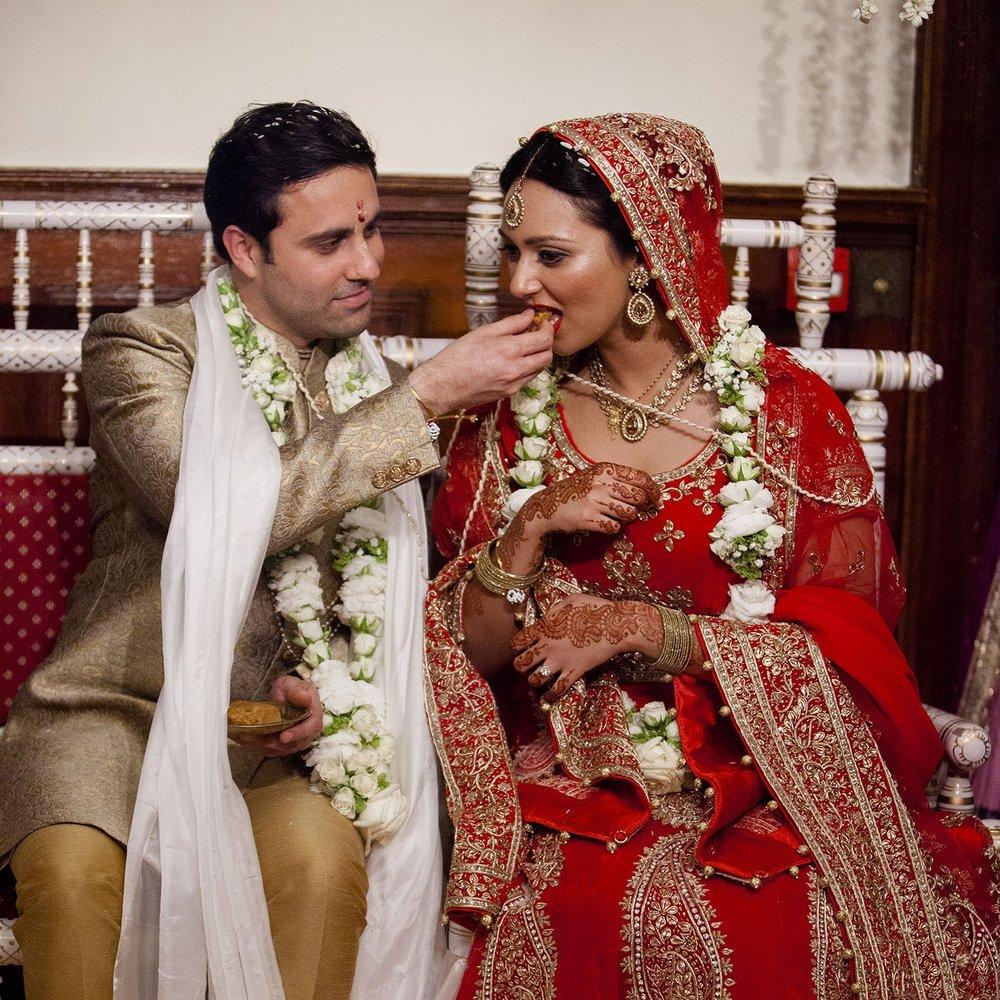 elizabethgphotography_kingslangley_hertfordshire_fineart_indian_wedding_photography_bhavesh_kundalata_bhaktivedanta_manor_watford_jpg50.jpg