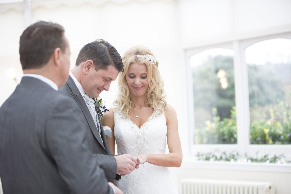 elizabethg_photography_hertfordshire_fineart_photographer_wedding_photography_sandra_lee_hanbury_manor_ware_19.jpg