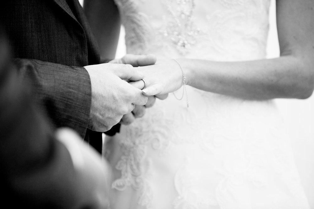 elizabethg_photography_hertfordshire_fineart_photographer_wedding_photography_sandra_lee_hanbury_manor_ware_18.jpg