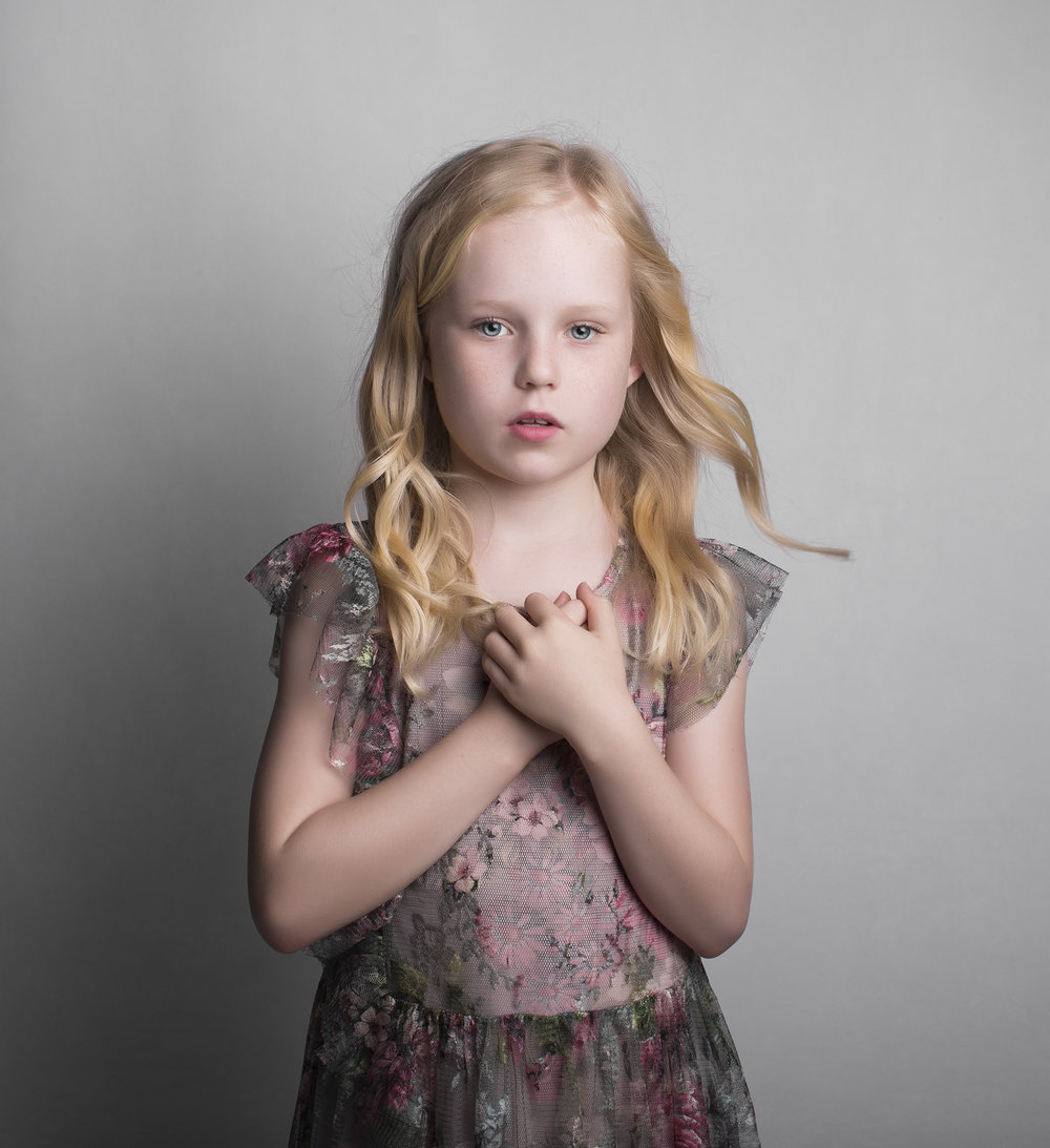 elizabethgphotography_fineart_kingslangley_hertfordshire_child_model_daisy-b.jpg