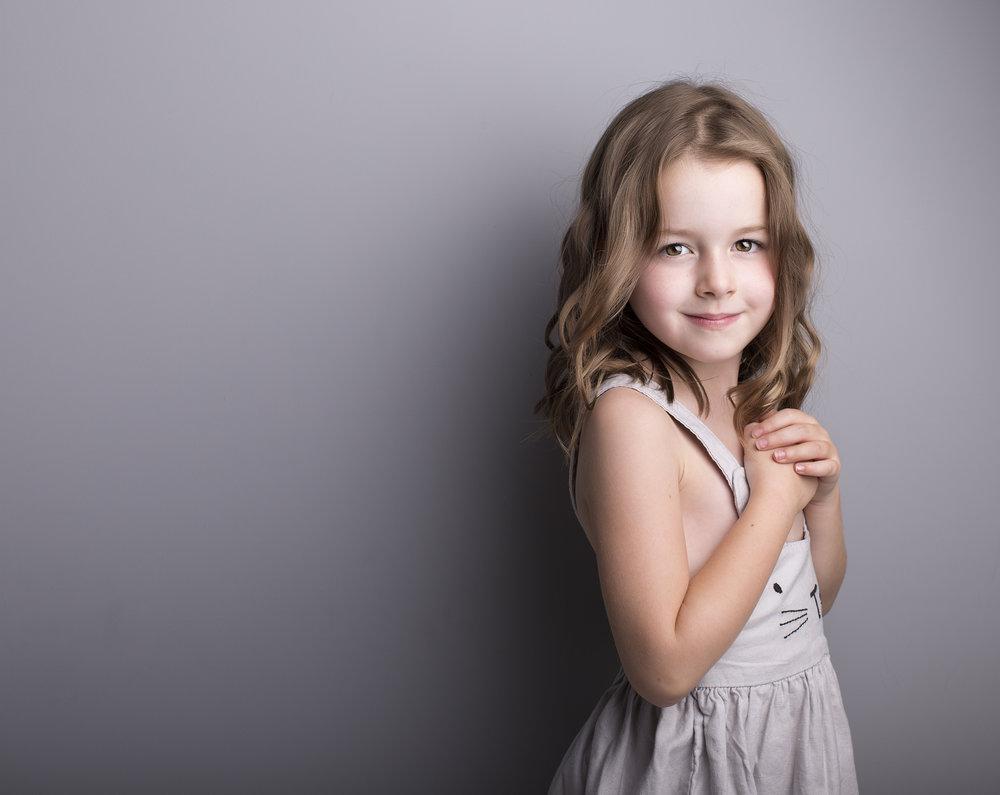 elizabethgphotography_fineart_kingslangley_hertfordshire_child_model_amelia_3.jpg