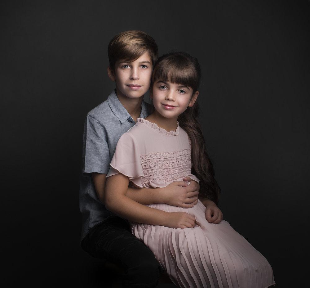 elizabethgfineartphotography_kingslangley_model_actor_chloe_alex1_family_portrait4.jpg