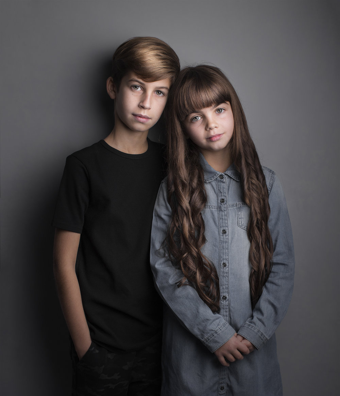 elizabethgfineartphotography_kingslangley_model_actor_chloe_alex1_family_portrait.jpg