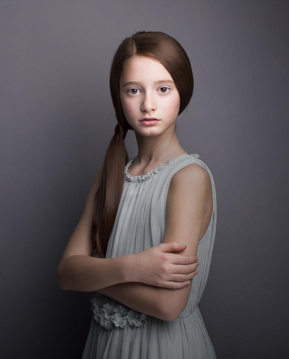 Elizabethg_fineart_portrait_photography_sadie_bruceandbrown_19_004.jpg