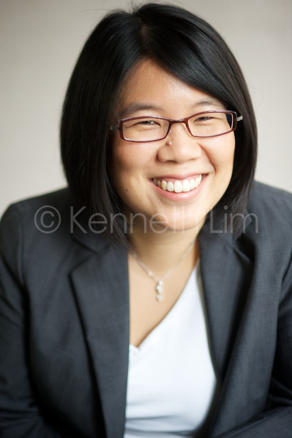 corporate-headshots-business-portrait-executive-director-woman-smiling