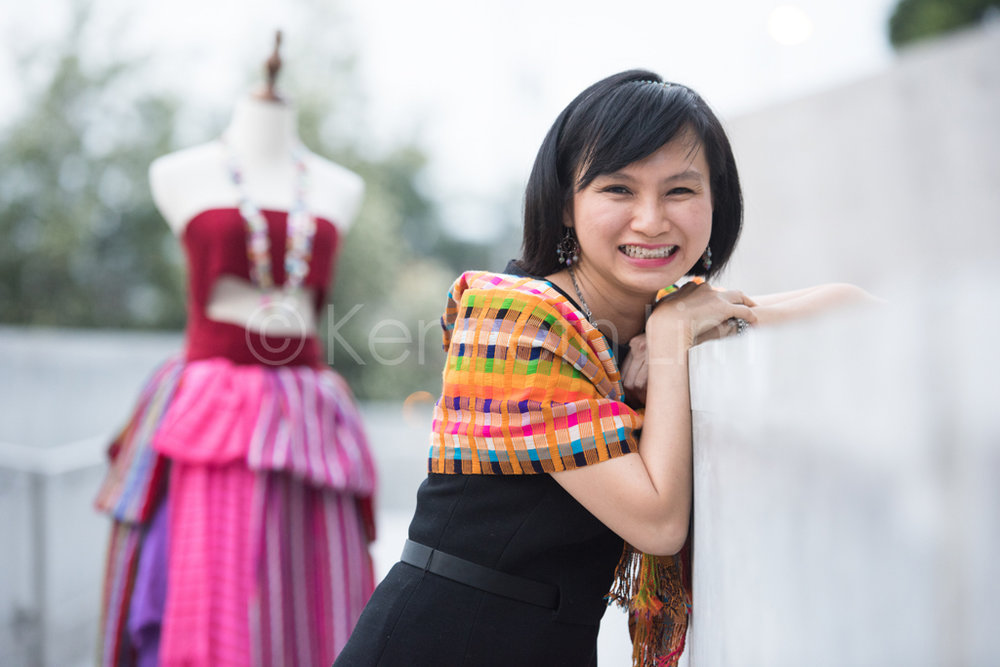 hong-kong-editorial-photographer-outdoors-portrait-woman-laughing_004