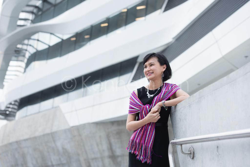 hong-kong-editorial-photographer-woman-smiling-laughing_003