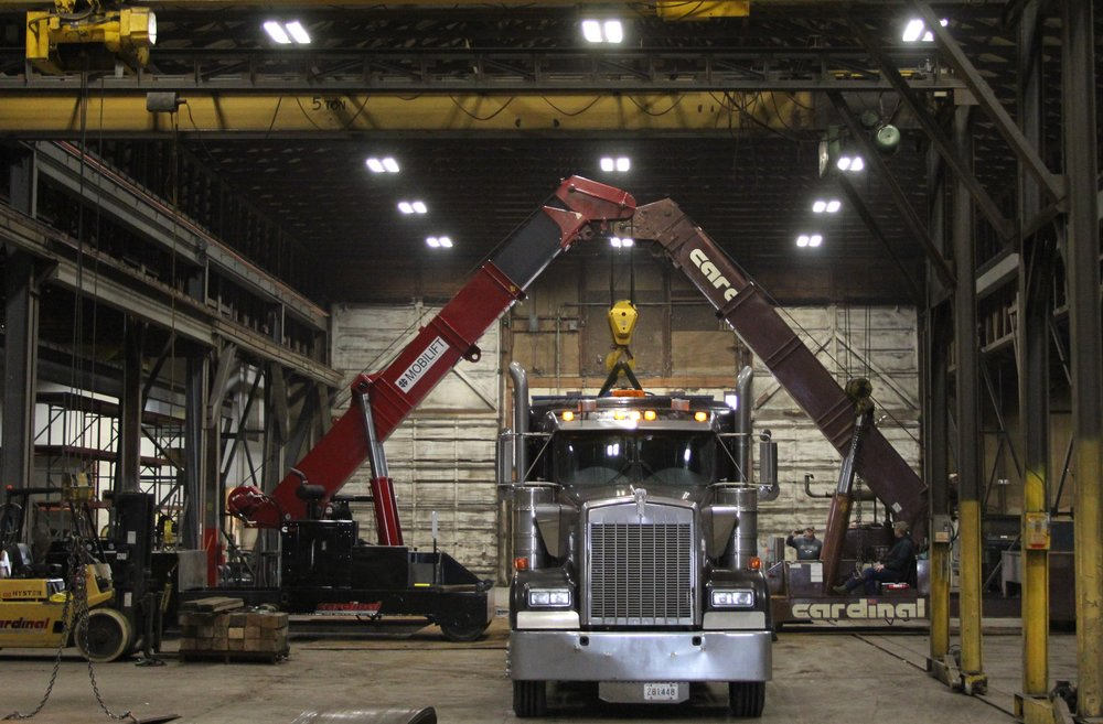 Mobilift Crane Set on Truck and Trailer
