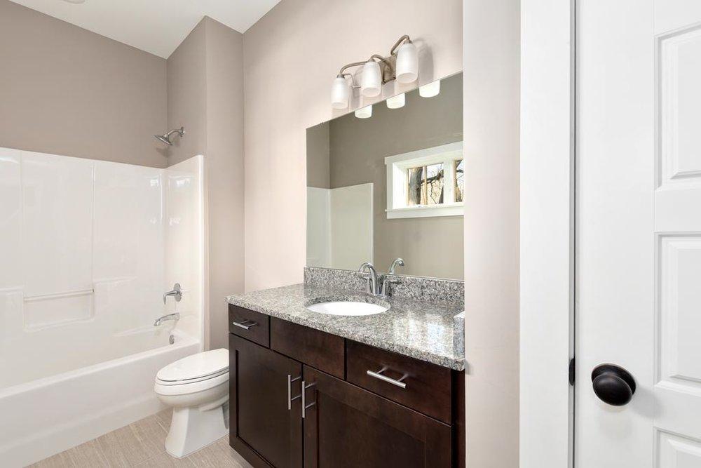 Ceramic-Tile-Floors-in-Bathrooms.jpg