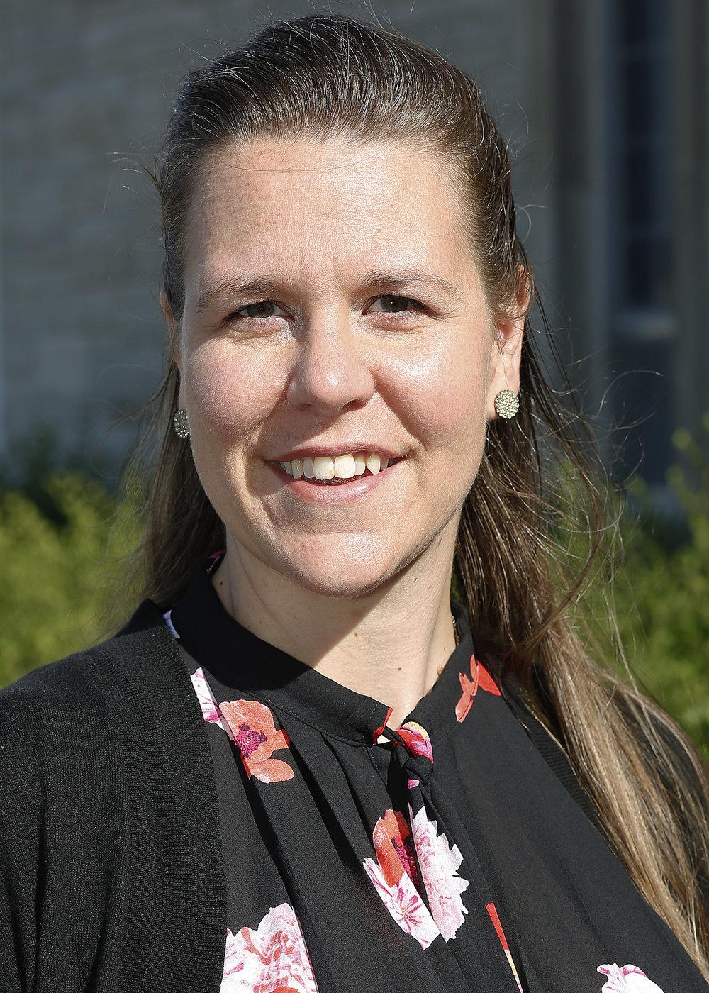 Elizabeth Hansen  Parish Coordinator of Youth & Adult Discipleship
