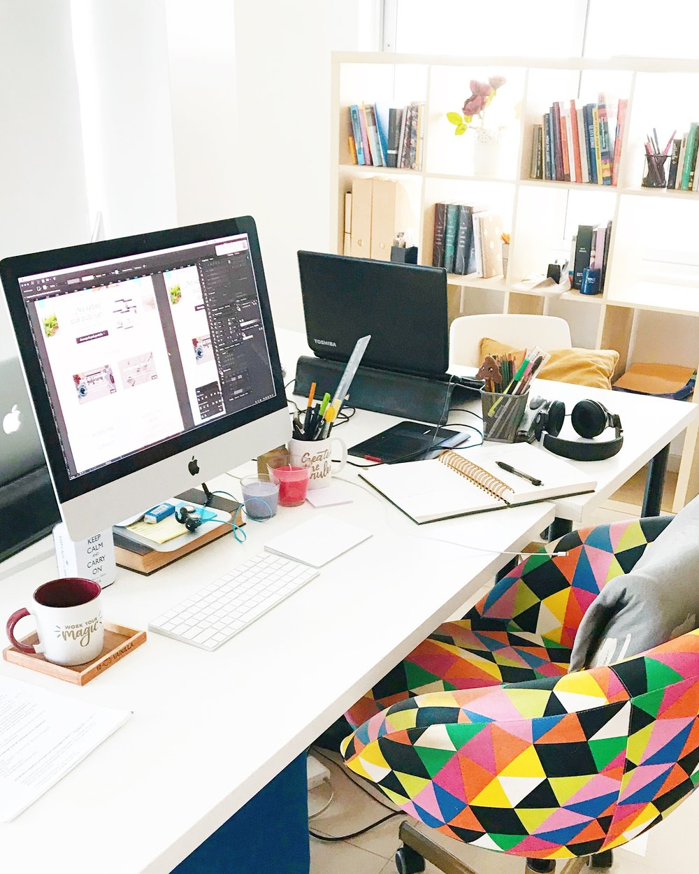 ¿Quiénes somos? - Diseñadores, desarrolladores, jugadores y amantes del café...Aprende sobre nosotros y nuestro proceso haciendo clic a continuación.