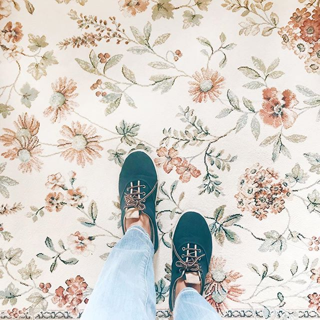 You can find magic anywhere, you just have to look 👀〰️ #ihavethisthingwithfloors