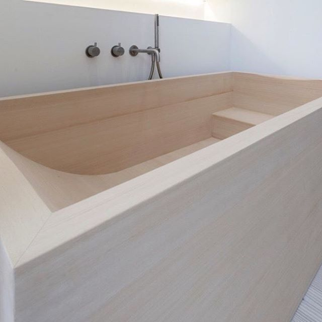 Bath-time inspiration courtesy of Amsterdam based architect @jen_alkema  #japanesebath #hinokiwood #minimalism #interior #interiorarchitecture #interiorarchitect #architect #amsterdam #slowsundays