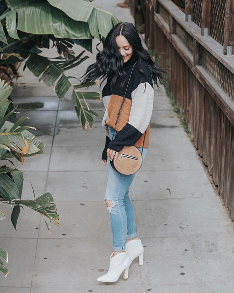 Photo from @laurenjparry on Instagram / she also has a whole post on how to style white booties that you can  read here .