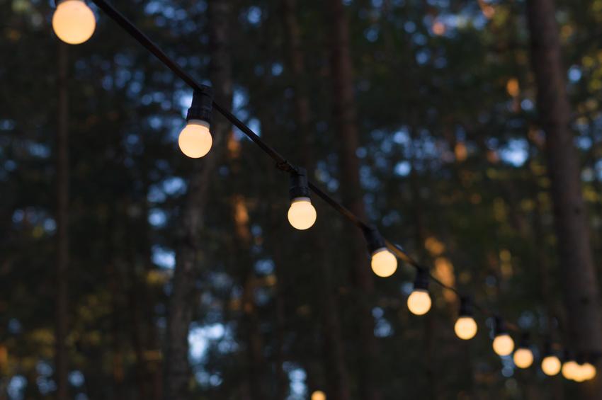FESTOON LIGHTING -