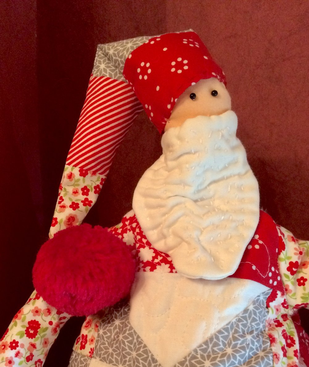 Patchwork santa close up.jpg