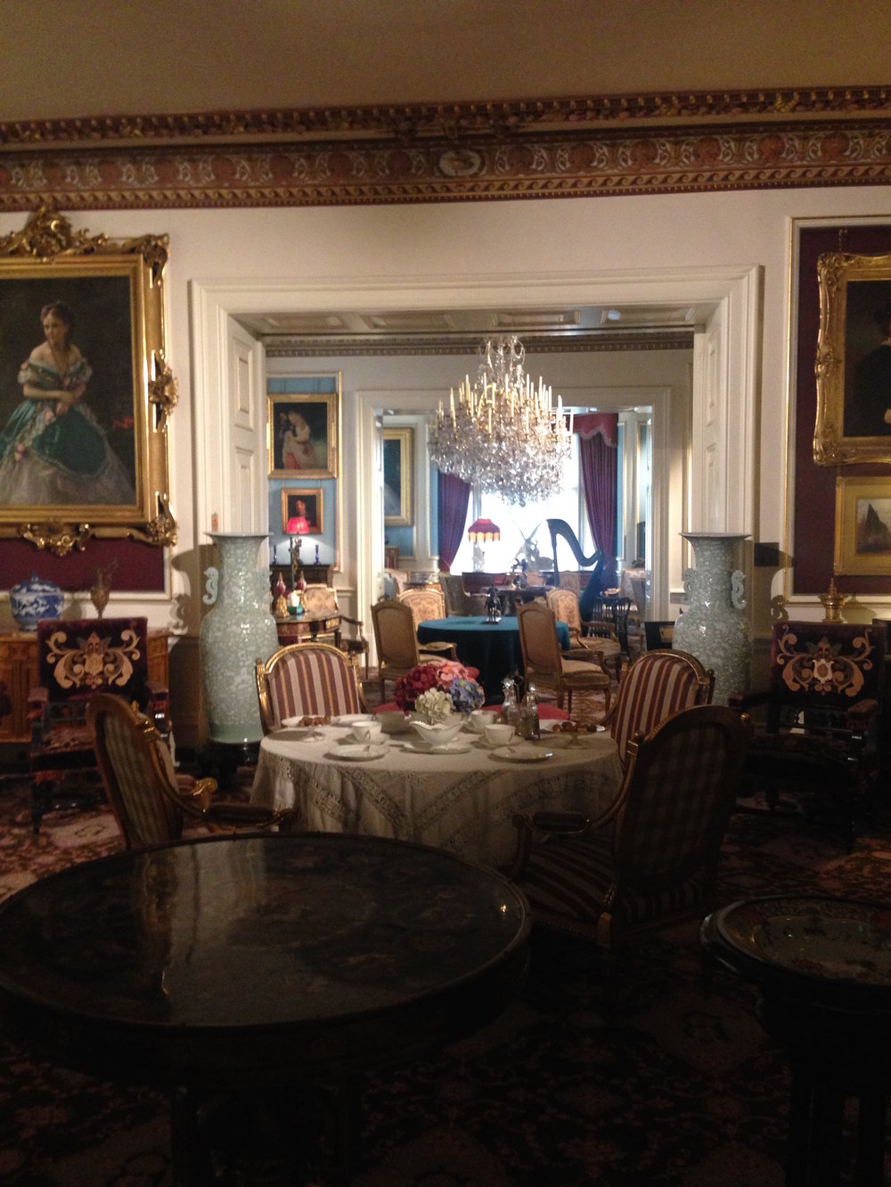 Cliffe Castle room.JPG