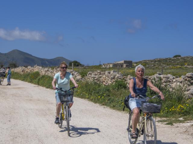 sykling_på_Favignana_april_2014.jpg