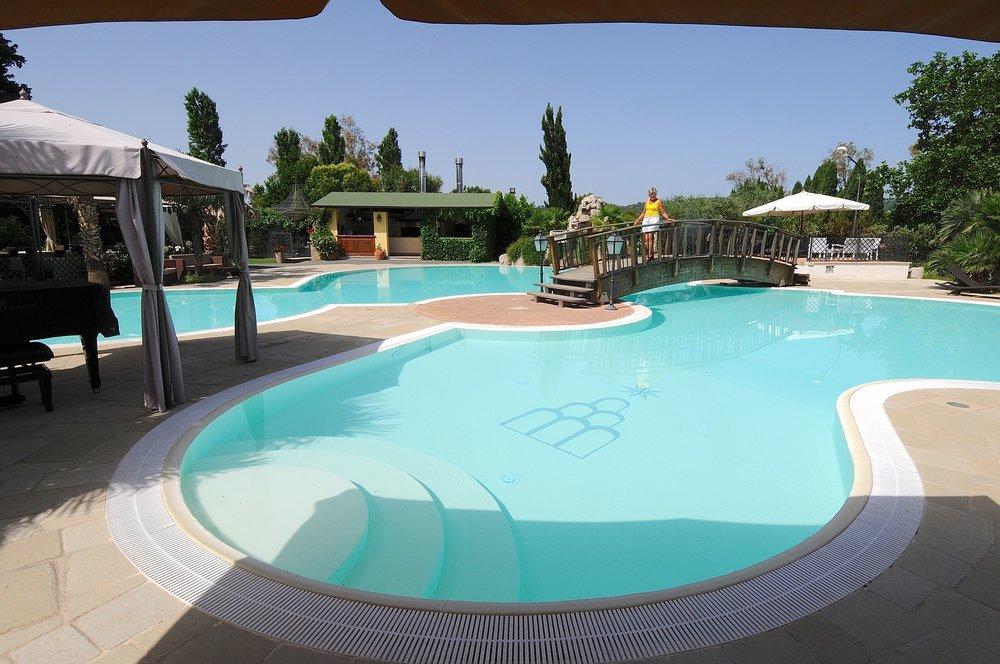 Svømmebassenget på il Postiglione