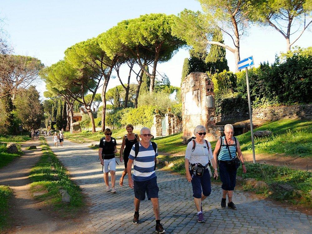 Vandring fra Roma og sørover starter på Via Appia Antica
