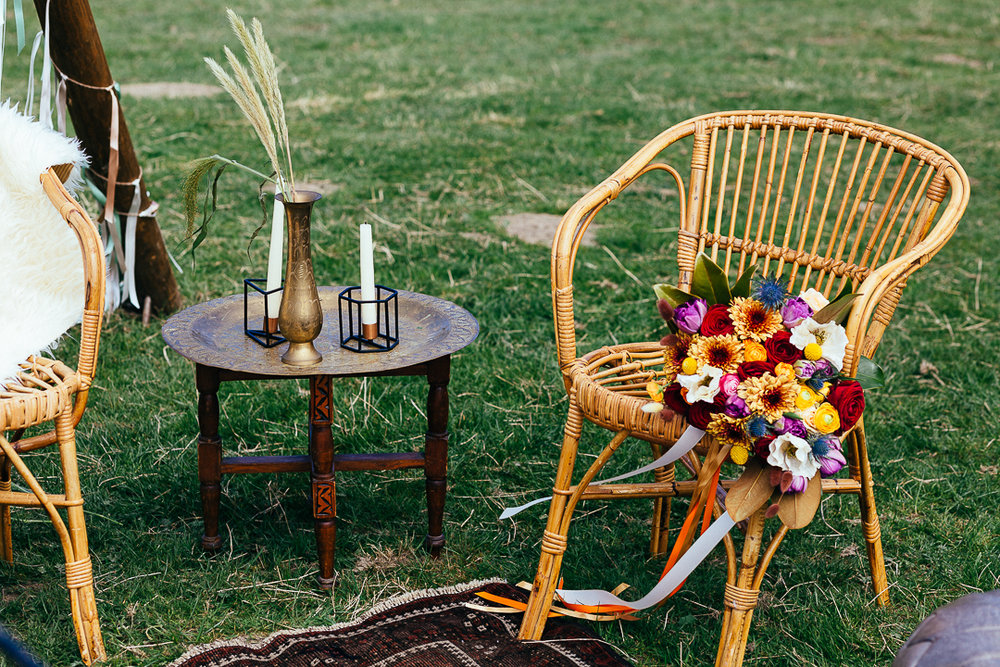 Boho luxe wedding - this playful design is perfect for an outdoors summer wedding - Tipi? Farm? Beach? Styling by wildathearthireandstyling - photography by Silverbird.