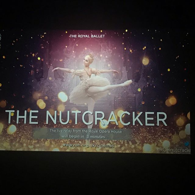 Christmas begins here 😍 ❄️ @royaloperahouse @artoftheroyalballet @royalballetschool  #rohnutcracker