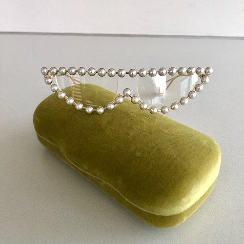 dbc9b5b5d13f GUCCI - Cat eye metal glasses with pearls — Olori Swank