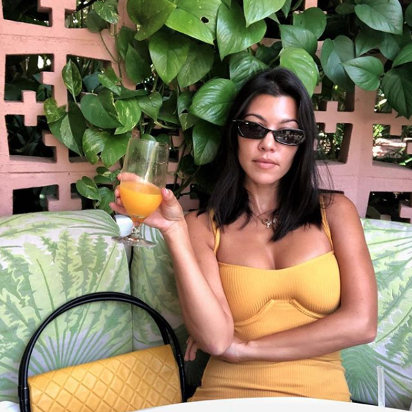 Kourtney Kardashian's favorite skinny sunglasses - Get them HERE