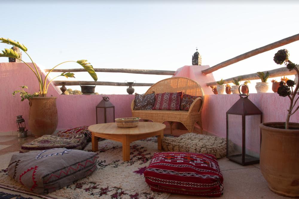 Lounge Area & Terrace