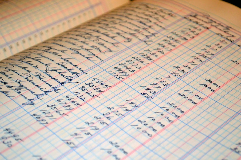 accounting-balance-blur-164686.jpg