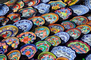 http://www.talavera.com/tag/mexican-pottery/