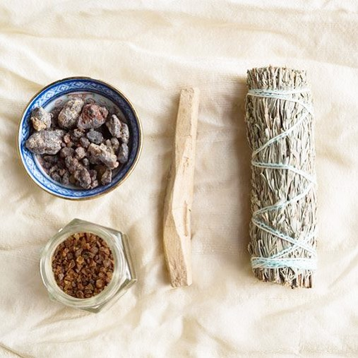 Rainy day means I got to stay in and smudge the house again. It never feels right in here. Have you ever had to do this in your home? I think the sage smells nice, but I'd like to not have to do this EVERY day! - - - - - #smudging #smudgingsage #cleansing #healing #naturalhealth #rebirth #cleanhouse #sage #burning #crystalhealing #crystals #nature