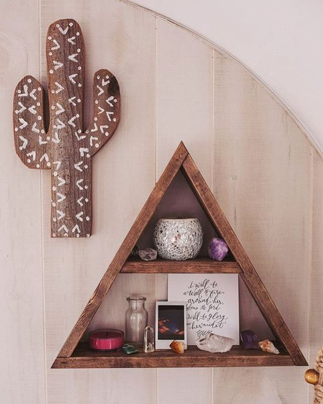 Dreaming of a tranquil space to call my own. 📷: @pinterest @icatchurdream @etsy #etsyshopowner 🌵 🔮 - - - - - - #cactuslover #crystals #tranquilspace #tranquility #peace #spring #etsyshop #home #homedecor #peacefulmorning #house #houseinspo #house4baby #negativevspositive