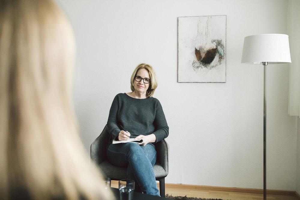 Iris Mähr - Ich bin existenzanalytische Psychotherapeutin in Bregenz.