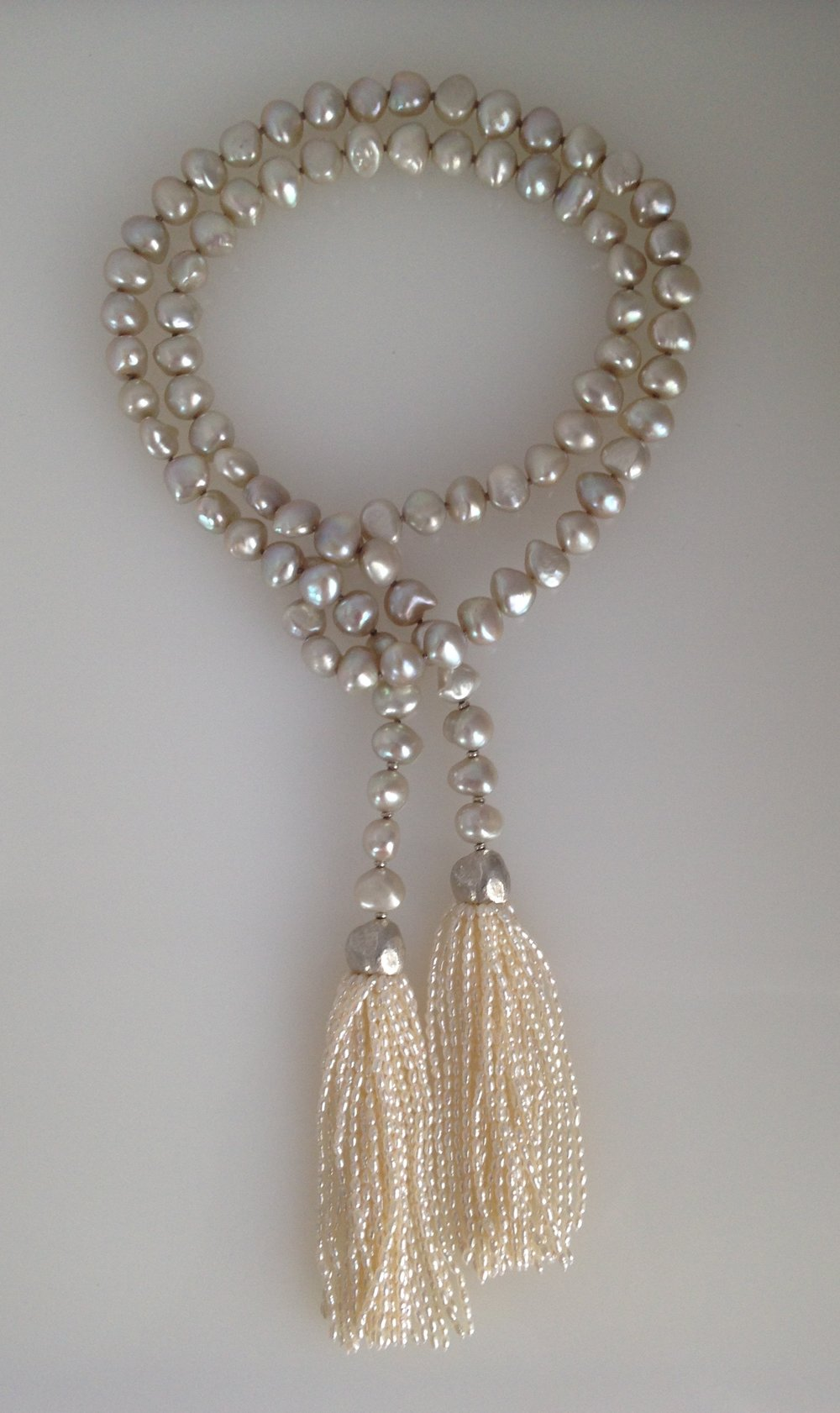 natural color grey pearls, silver