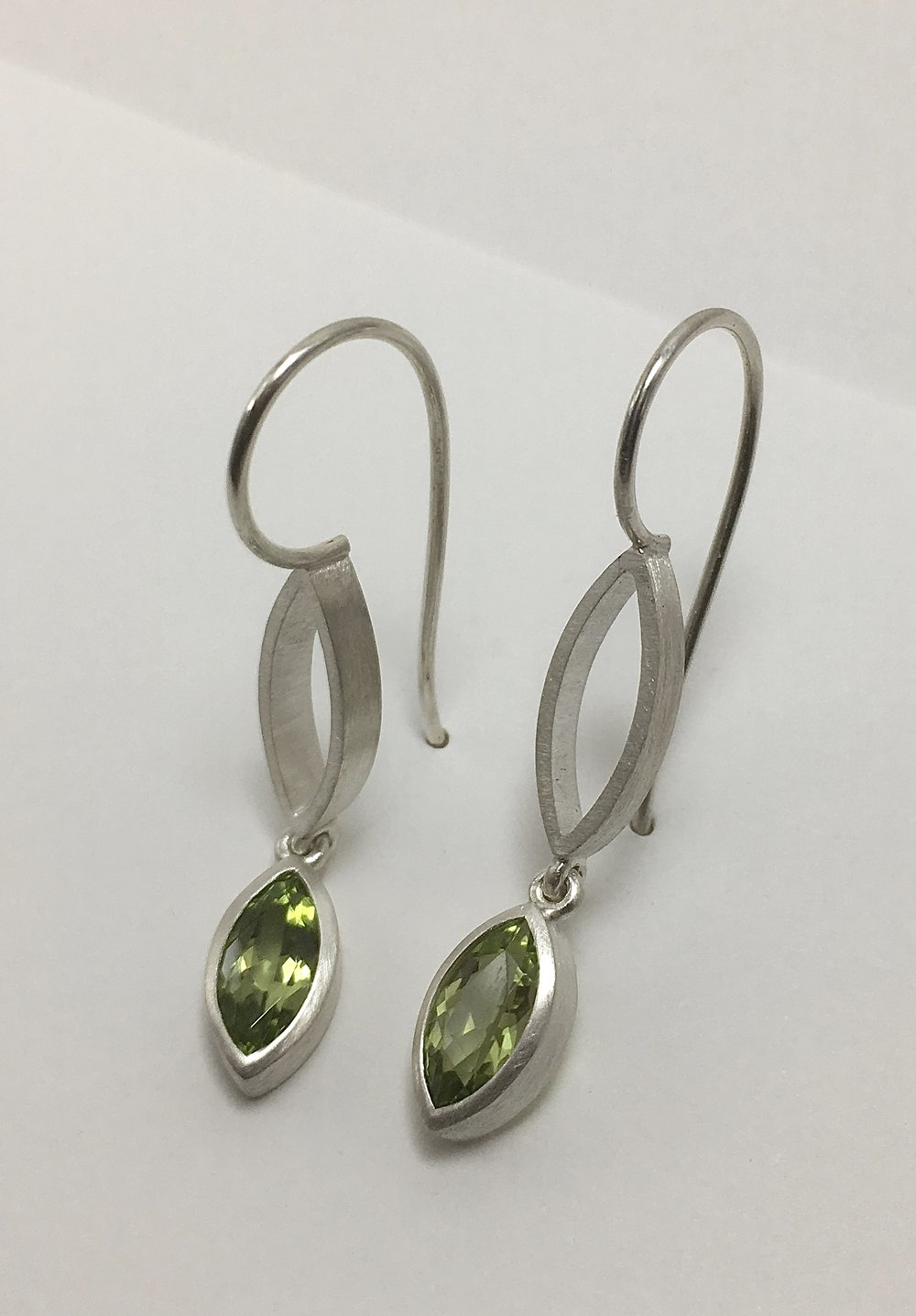 silver, peridot