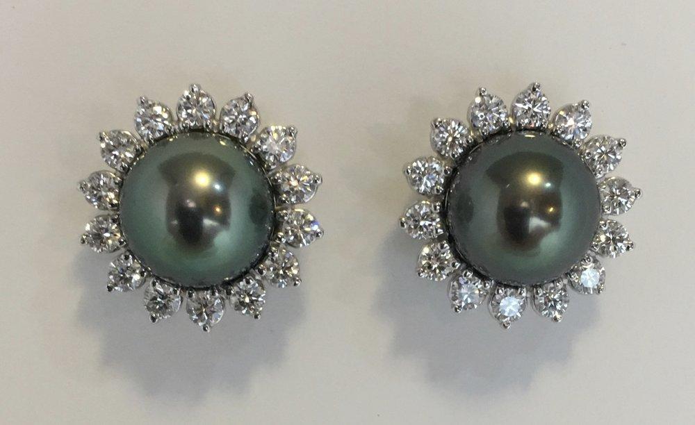 18kt white gold, tahitian pearl, diamond