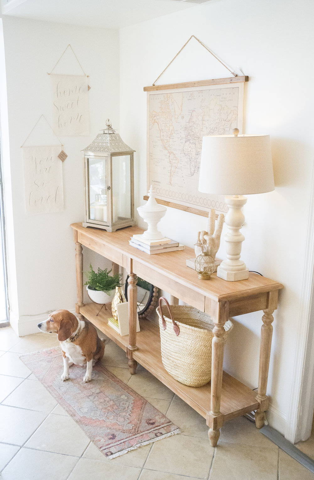 HOW TO STYLE AN ENTRY TABLE-1.jpg