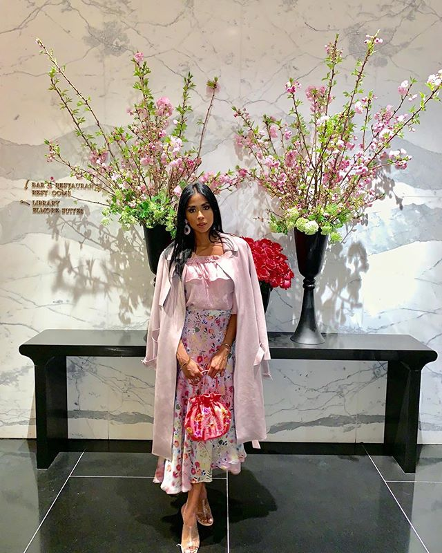 🌸Happy Sunday 🌸  Everyone has asking asking me where my outfit is from-  Here are the details: I found this dress in Seoul/South Korea and layered this skirt from @zara over the pink dress..which worked great because the skirt was too thin and needed a lining. The purse 👛 I bought on my trip to South Korea 🇰🇷 It is all hand made of silk and embroidery made of peacocks Jacket and shoes 👠 @zara