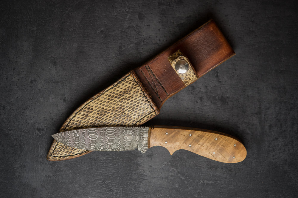 Damascus Knive with Snakeskin Sheath
