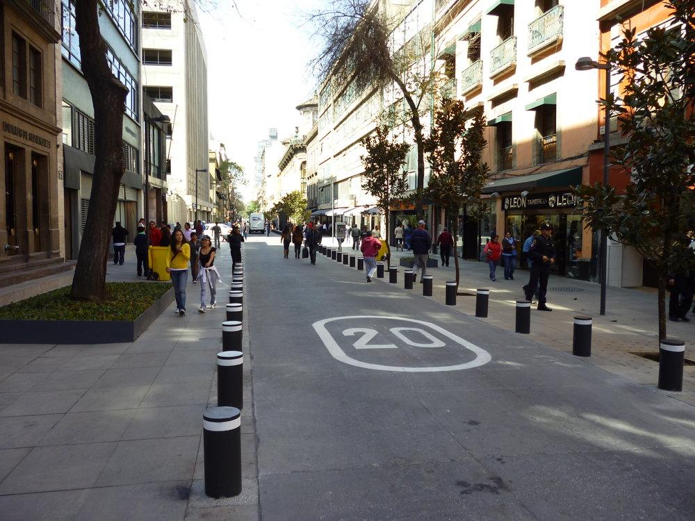 Pedestrian priority street,  16 de Septiembre , in Mexico City. Photo courtesy of ITDP.