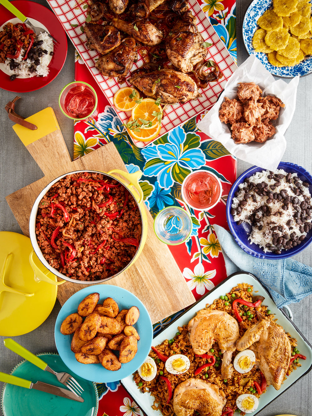 Cuba_Cookbook_Family_Meal_0395.jpg