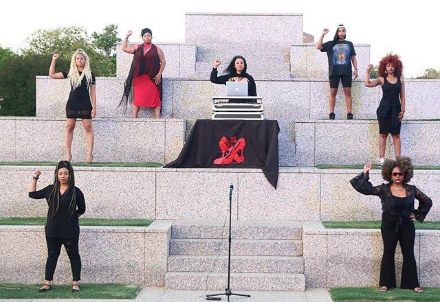 The Season 1 Finale airs this Thursday @ 6pm! . ✊🏾✊🏾✊🏾 #BeatsAndBaddies 📷: @c.allenphotos . . BeatsAndBaddies.com . #poetry #cypher #poetrycommunity #womenempowerment #houston #htown #femalepoet #ladydj #djMicheleMcKnight #femaledj #jointhemovement