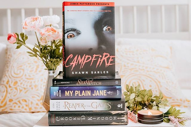📖July wrap up! 🤗 This month was a good reading month! For the most part I stayed in my lane and read most fantasy and the likes. 📖The book that surprised me the most was Sea Witch by @shhenning! I thought I knew what was going to happen... Yup. Nope. 📖Our book club read My Plain Jane by Jodi Meadows and Cynthia Hand and Brodi Ashton. I think most enjoyed it just not as much as My Lady Jane. 📖Crooked Kingdom by @lbardugo... Guys what do I even need to say about this brilliance? 📖Campfire by our July show guest @shawnsarles was delightfully creepy and I don't do horror. That cover alone gives me nightmares. 📖Reaper at the Gates by @sabaatahir was my favorite book of the series. Those poor characters. I so enjoyed it! 📖I also read the rest of SAGA and I am so bummed about that hiatus the authors are doing and well, we are just not going to talk about it anymore. * * What did you read this last month? 👀👀 * * * #yatllive #ireadya #yalit #yabooks #yabookstagram #yaliterature #epicreads #fiercereads #lovereading #bookish #bookishfeatures #bookishlove #lovebooks #booknerds #bookaddict #bookworm #yalovin #bookphotography #igbooks #readersofinstagram #bookstagram #booksread #tbrpile #bookhaul